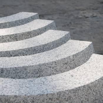 SyNTAR Strzegom - kamienne krawężniki