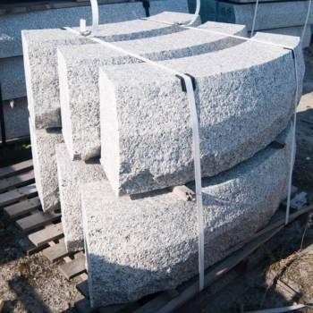 Kamienne krawężniki łukowe